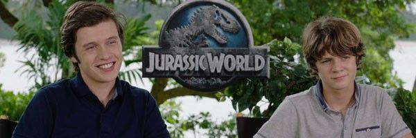 jurassic-world-nick-robinson-ty-simpkins-slice (2)