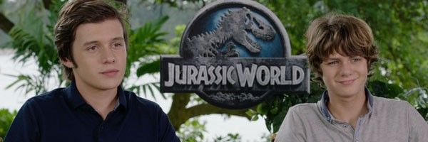 jurassic-world-nick-robinson-ty-simpkins-slice