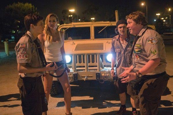 scouts-guide-zombie-apocalypse-tye-sheridan-joey-morgan