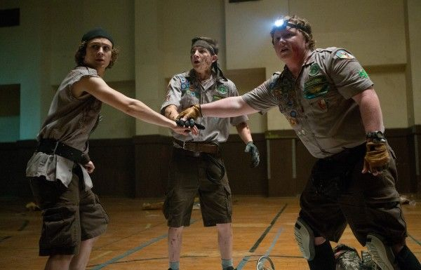 scouts-guide-zombie-apocalypse-tye-sheridan-logan-miller-joey-morgan