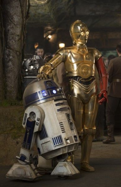 star-wars-force-awakens-r2-d2-c-3po