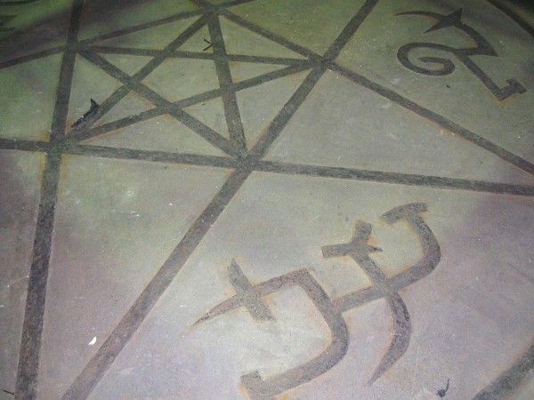 supernatural-set-images-43