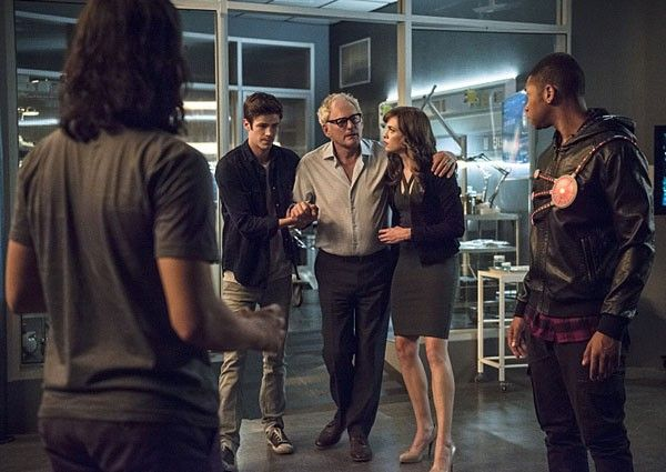 the-flash-season-2-grant-gustin-victor-garber-danielle-panabaker-franz-drameh