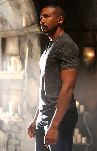 the-originals-season-3-charles-michael-davis-04