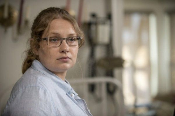 walking-dead-season-6-image-merritt-wever