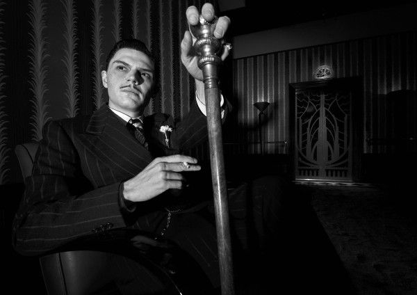 american-horror-story-hotel-evan-peters-01