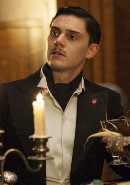 american-horror-story-hotel-evan-peters-04