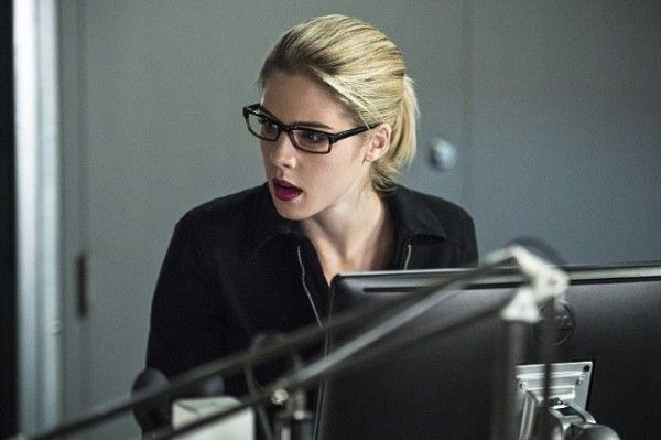 arrow-emily-bett-rickards-oracle