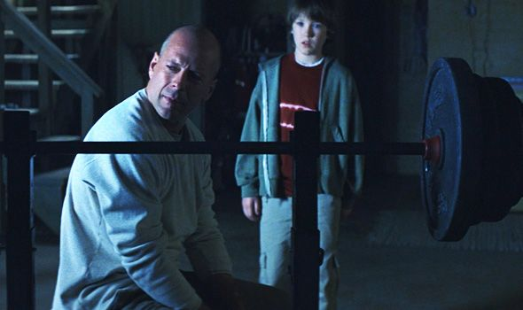 bruce-willis-unbreakable-spencer-treat-clark