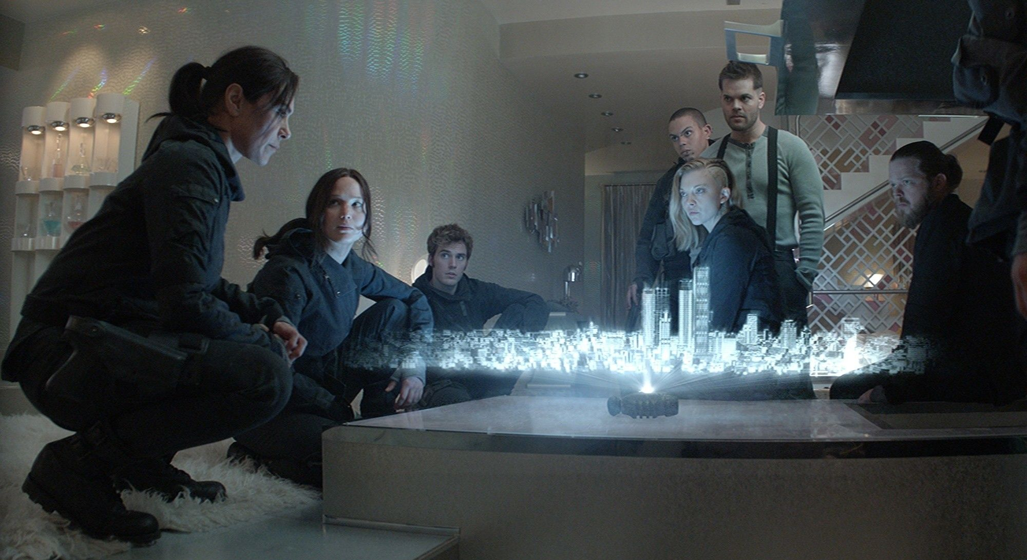 Does Mockingjay by Suzanne Collins have a complex plot?