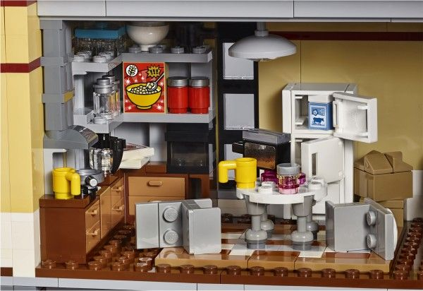 lego-ghostbusters-firehouse-3