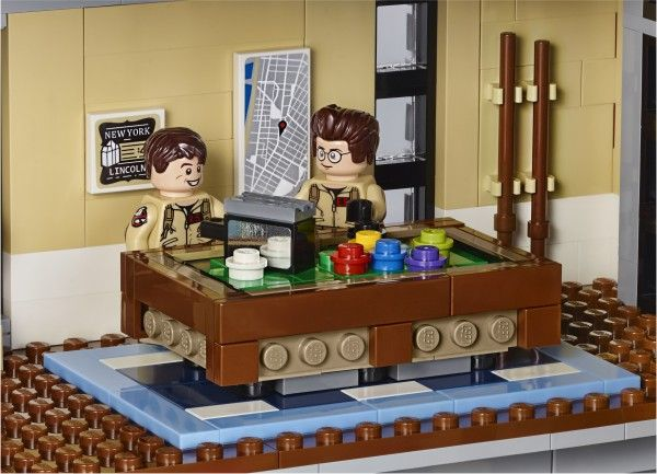 lego-ghostbusters-firehouse-9
