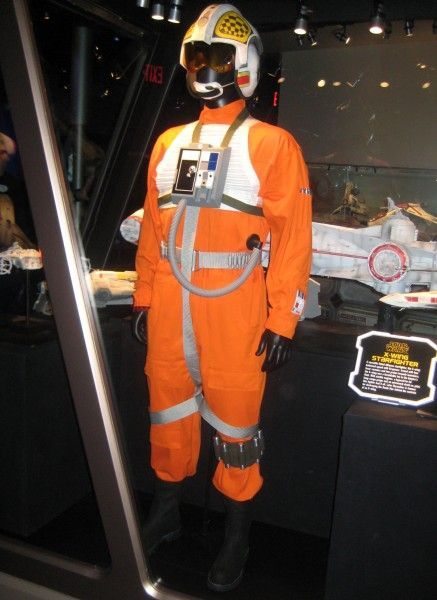 star-wars-launch-bay-45