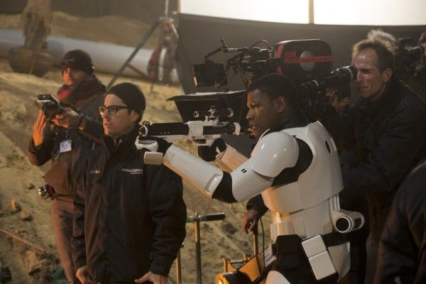 star-wars-the-force-awakens-john-boyega-j-j-abrams
