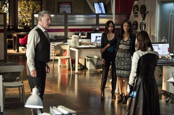 the-flash-recap-the-darkness-and-the-light