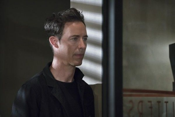 the-flash-image-the-darkness-and-the-light-tom-cavanagh