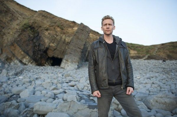 the-night-manager-tom-hiddleston-image