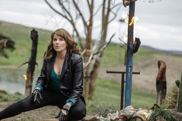 ash-vs-evil-dead-lucy-lawless
