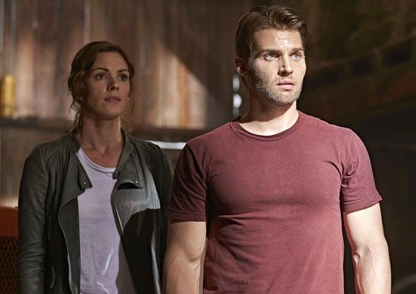 childhoods-end-mike-vogel-daisy-betts-04