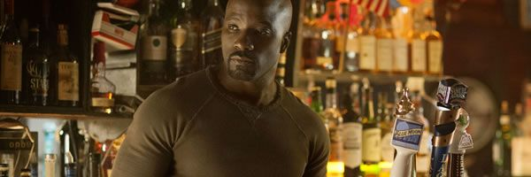jessica-jones-mike-colter-luke-cage-slice
