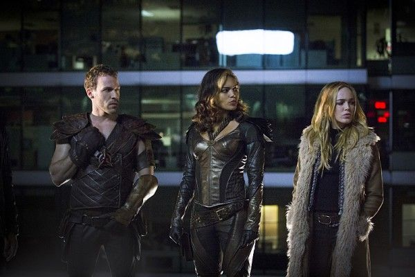 legends-of-tomorrow-image-falk-hentschel-ciara-renee-caity-lotz