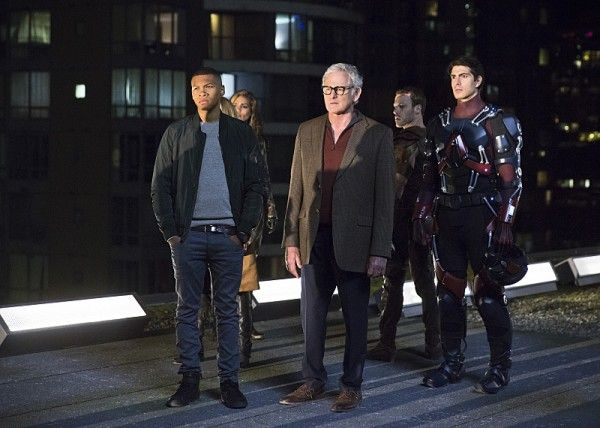 legends-of-tomorrow-image-franz-drameh-victor-garber-brandon-routh