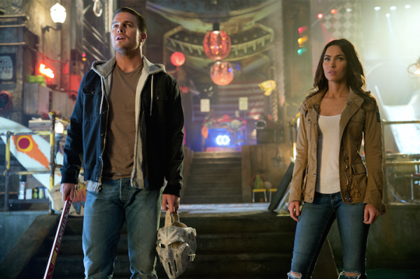 stephen-amell-megan-fox-tmnt2