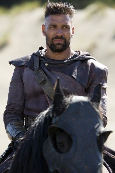 the-shannara-chronicles-manu-bennett