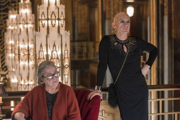 american-horror-story-hotel-512-kathy-bates-denis-ohare