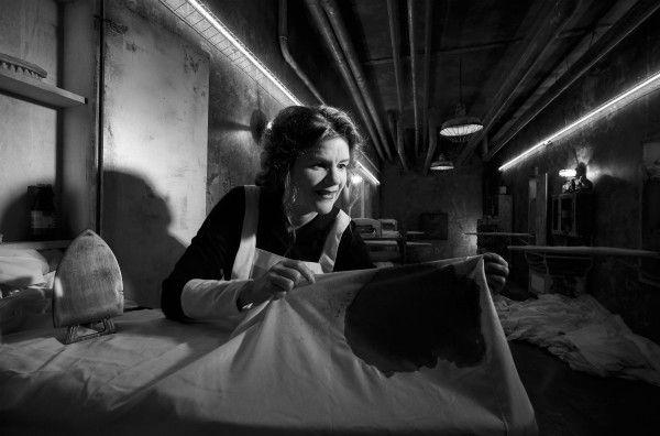american-horror-story-hotel-mare-winningham