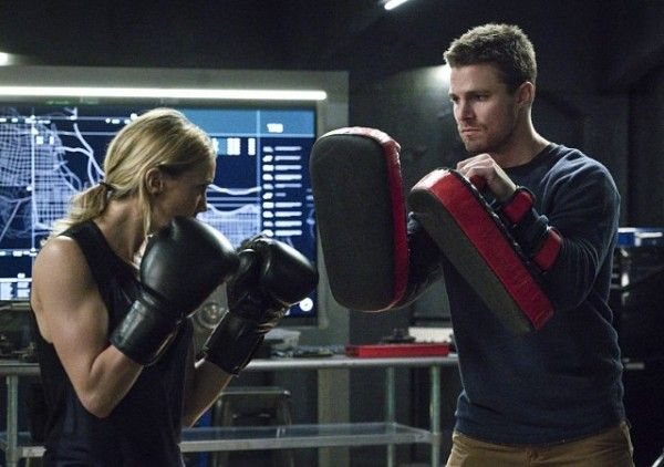 arrow-season-4-image-katie-cassidy-stephen-amell