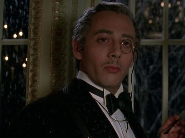 Gotham Paul Reubens As Penguin S Father Revealed Collider