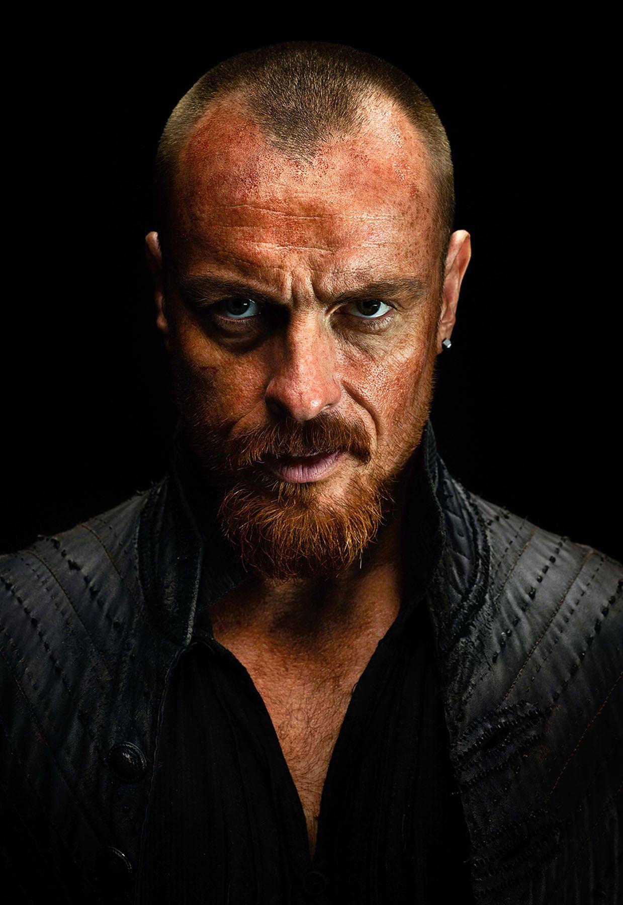 Black sails s3 pirate captain flint leather coat - Black Sails Season 3 Toby Stephens 01