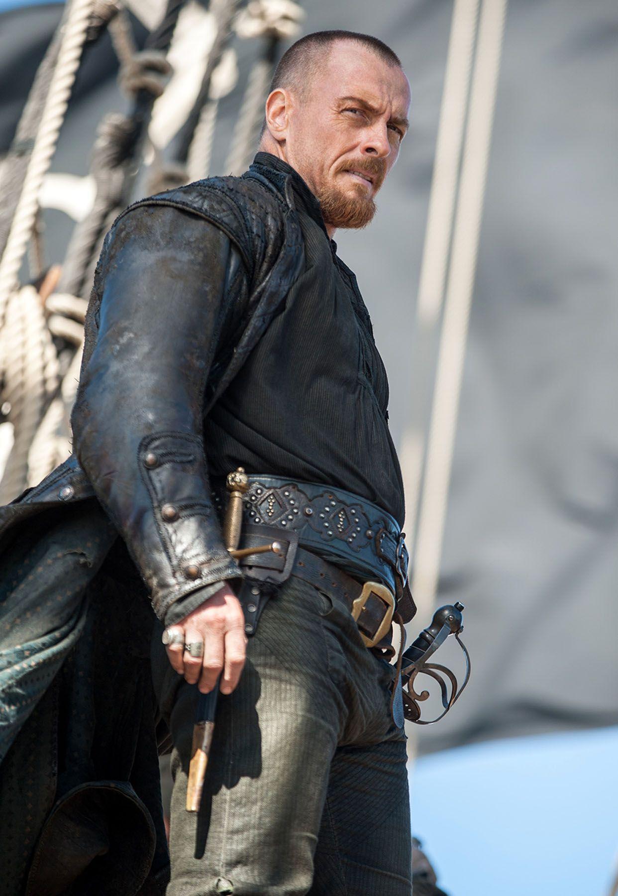 Black sails s3 pirate captain flint leather coat - Black Sails Season 3 Toby Stephens 02