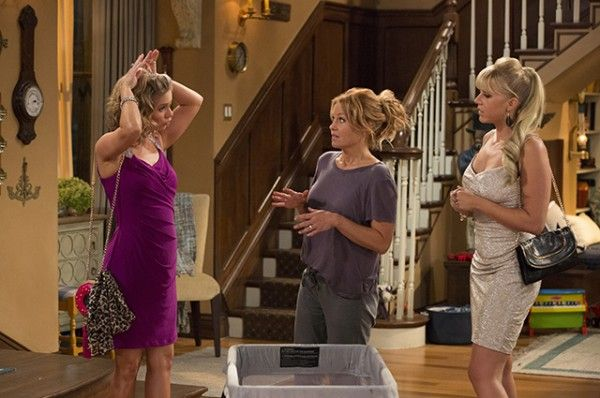 fuller-house-candace-cameron-bure-jodie-sweetin-andrea-barber-image