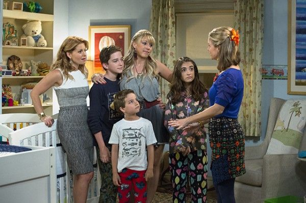 fuller-house-image-candace-cameron-bure-jodie-sweetin-andrea-barber-kids