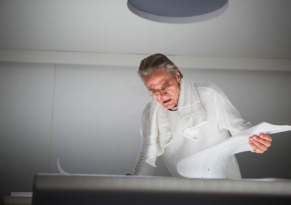 high-rise-jeremy-irons
