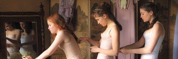 suki-waterhouse-ellie-bamber-pride-and-prejudice-and-zombies