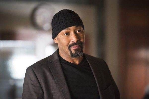 the-flash-image-season-2-episode-11-jesse-l-martin
