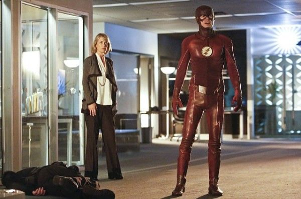the-flash-season-2-episode-11-amanda-pays-grant-gustin