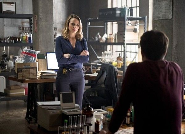 the-flash-season-2-episode-11-shantel-vansanten