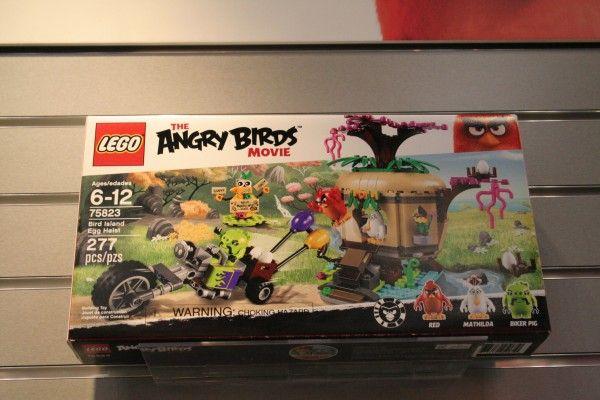 angry-birds-lego-toy-fair-10