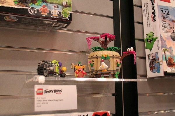 angry-birds-lego-toy-fair-11