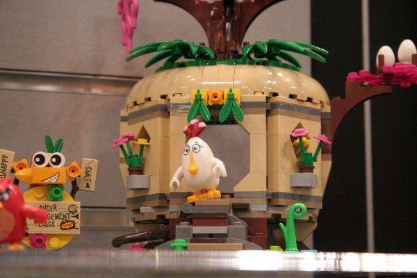 angry-birds-lego-toy-fair-12