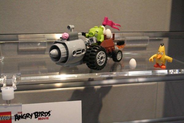 angry-birds-lego-toy-fair-13