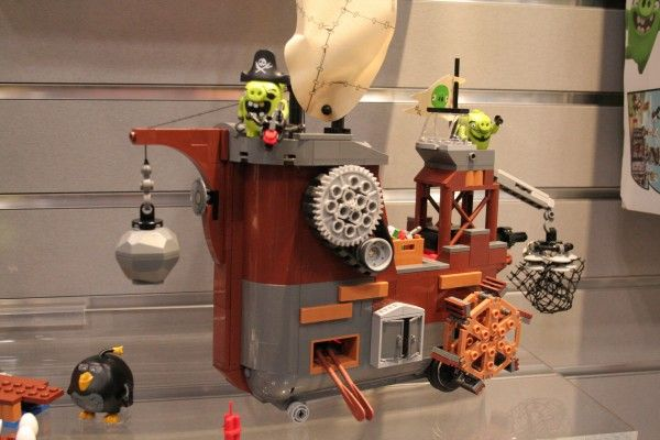 angry-birds-lego-toy-fair-5