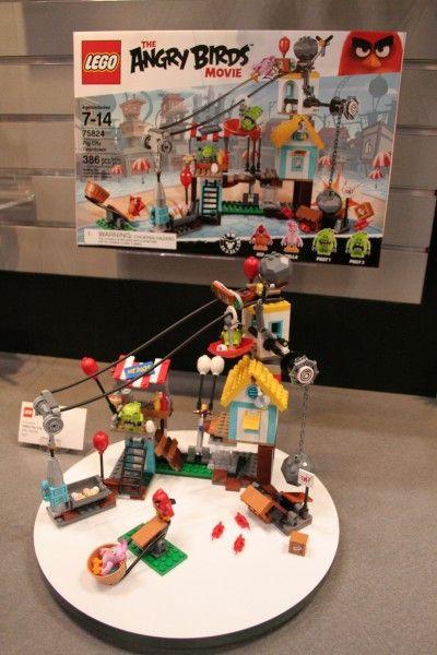 angry-birds-lego-toy-fair-7