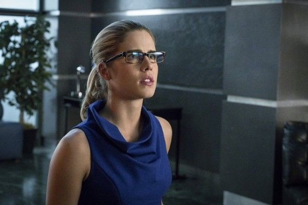 arrow-cast-image-emily-bett-rickards-unchained