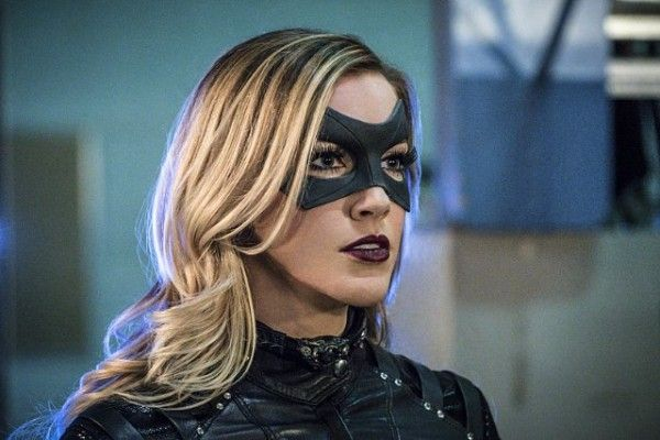 arrow-cast-image-katie-cassidy-unchained