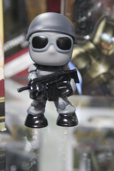 batman-v-superman-mini-figure